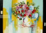 Bouquet de fleurs rouge, roses et bleus sur fond bleu vert et jaune