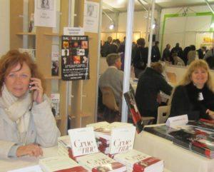 Eva Darlan actrice et auteure  Salon du Livre de Villeneuve sur lot
